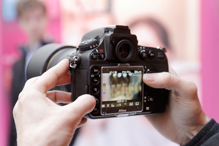 http://www.dxomark.com/itext/review_nikon_d800/Nikon_d800_5.jpg